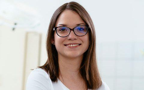 Dr. med. Stefanie Lauer<br>Assistenzärztin